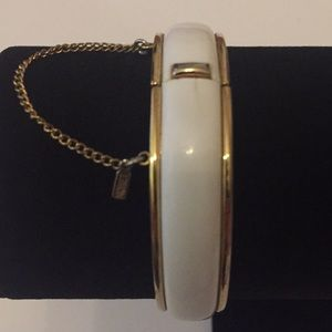 Vintage Jewelry Monet White Gold Tones Bracelet